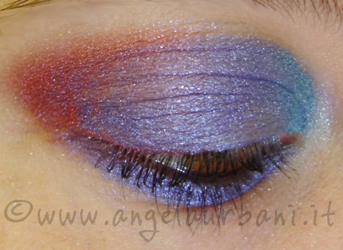 tutorial trucco occhi Night Out con le dita